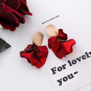 Unique Zone Jewelry - ❤️️NEW UNIQUE Flower Petal Handmade Earrings R10